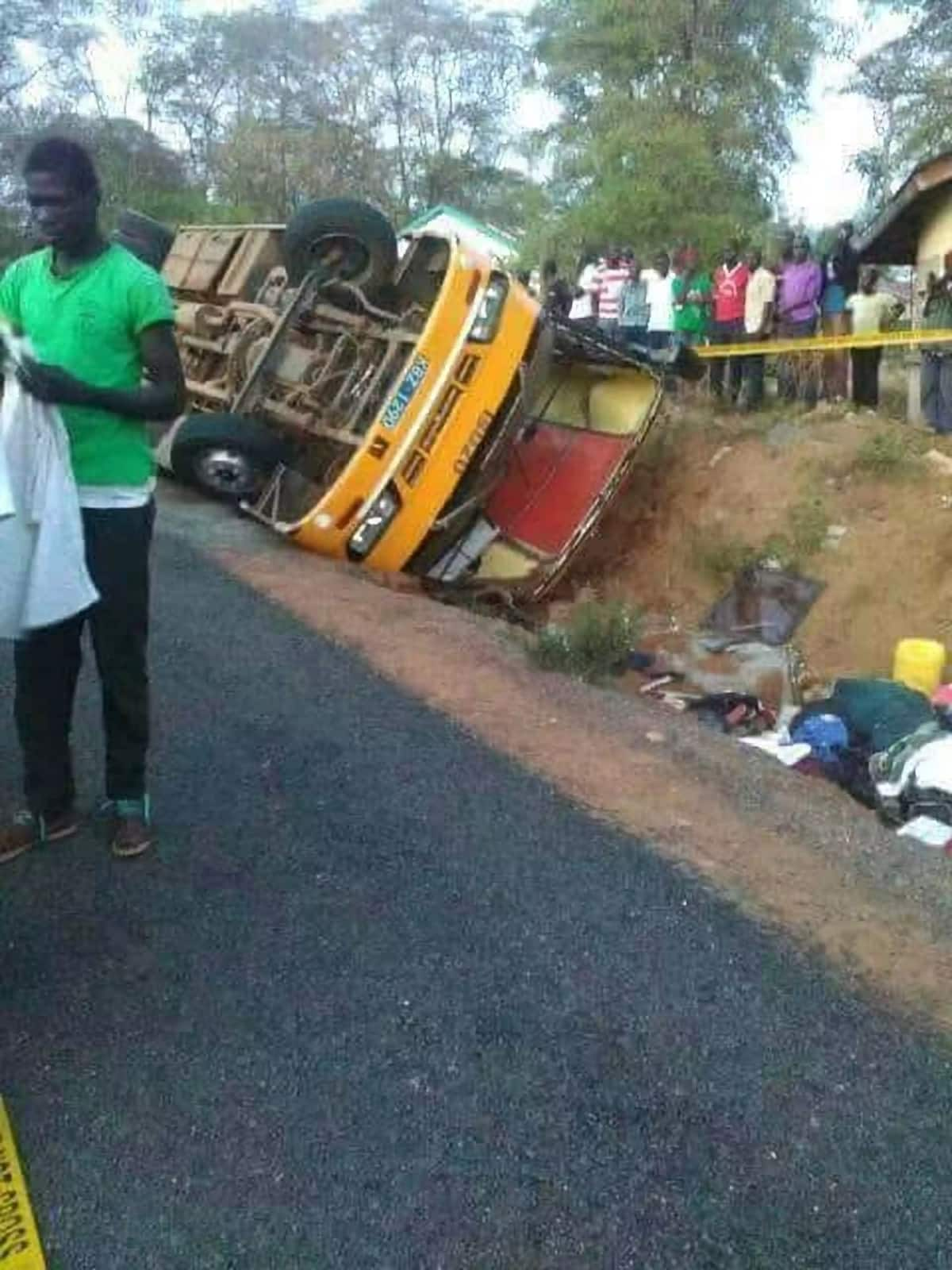 One student killed, 19 others injured in school bus accident