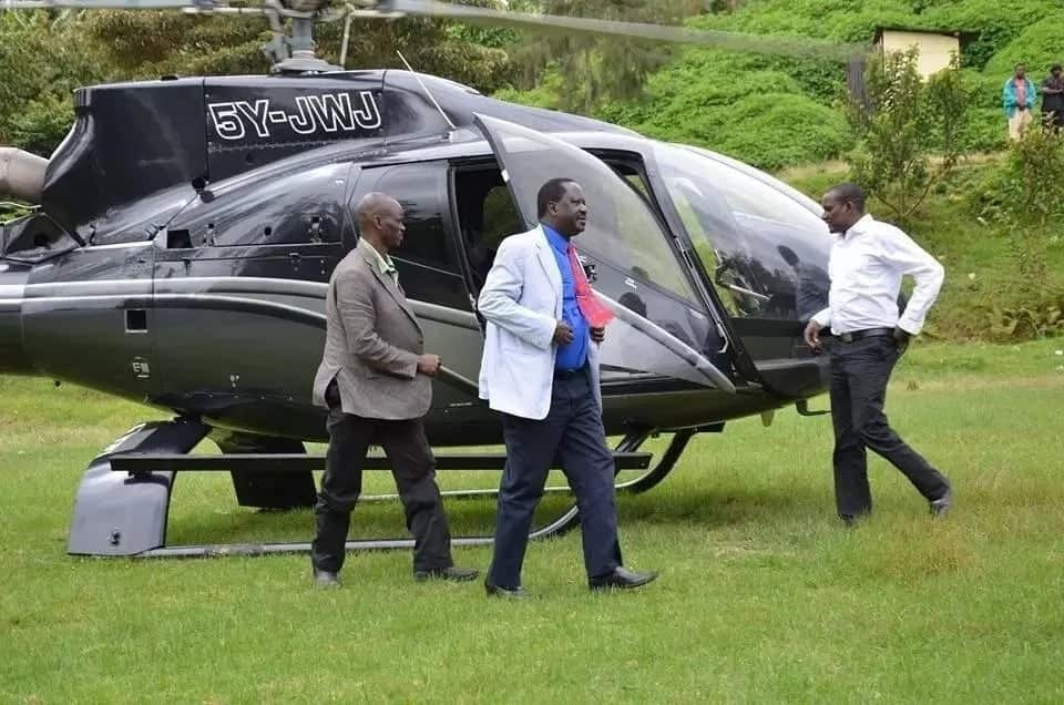 Dignitaries show up at burial of Kalonzo Musyoka's dad in 32 helicopters