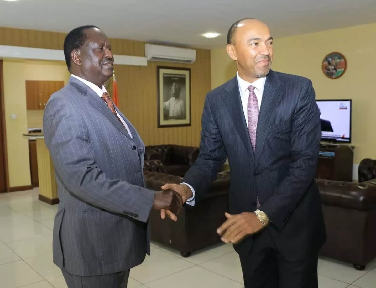 Raila Odinga in surprise meeting with Peter Kenneth
