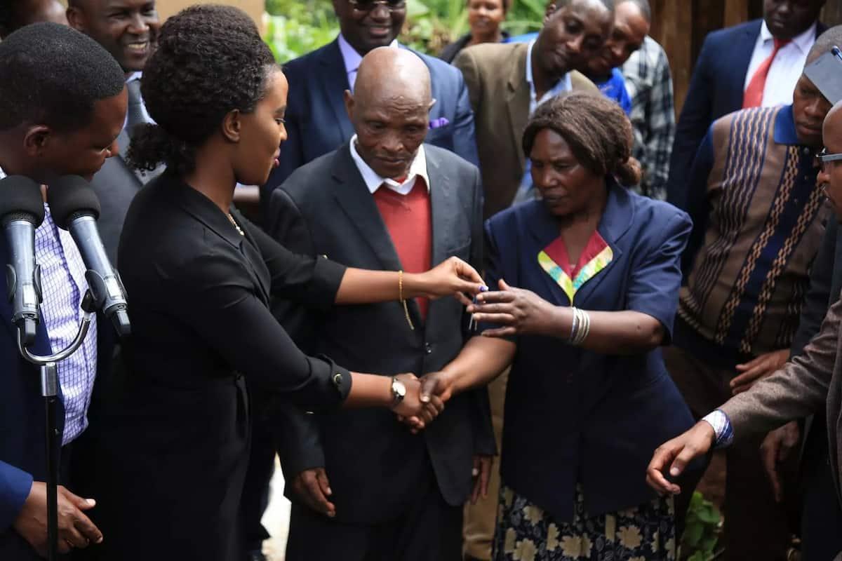 Gavana Mutua afungua rasmi nyumba ya kisasa aliyojengea wakongwe Nyeri