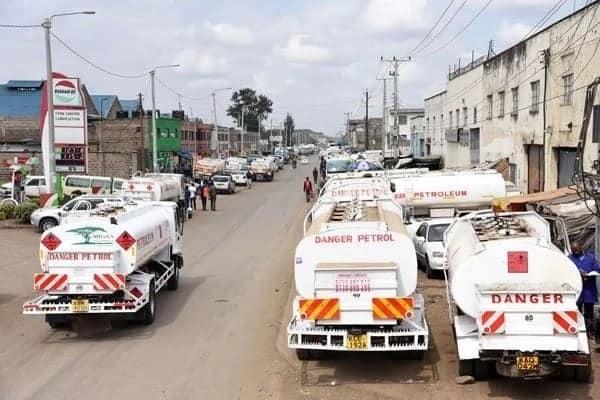 Ukosefu wa mafuta washuhudiwa Nairobi na kufanya serikali kutishia wasafirishaji