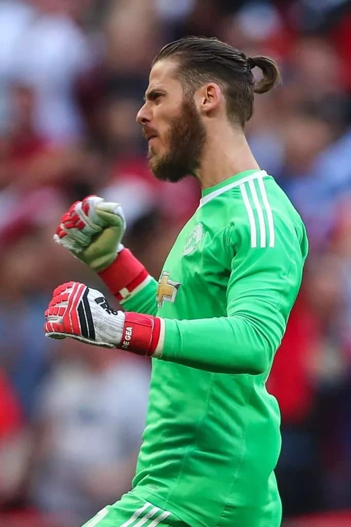 De Gea goes out for relaxed lunch with fiancee Edurne
