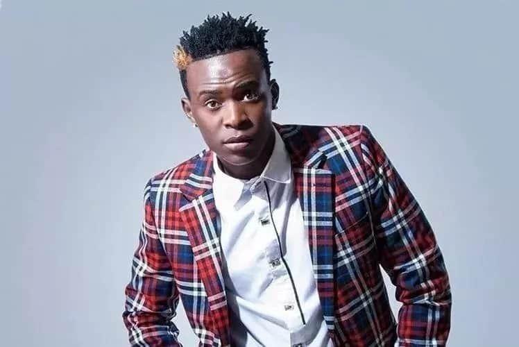 Willy Paul sings for Joho in Mombasa (video)