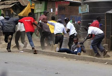 Kimenuka: Wanafunzi wawapiga walimu wao kisa na maana, uchafu