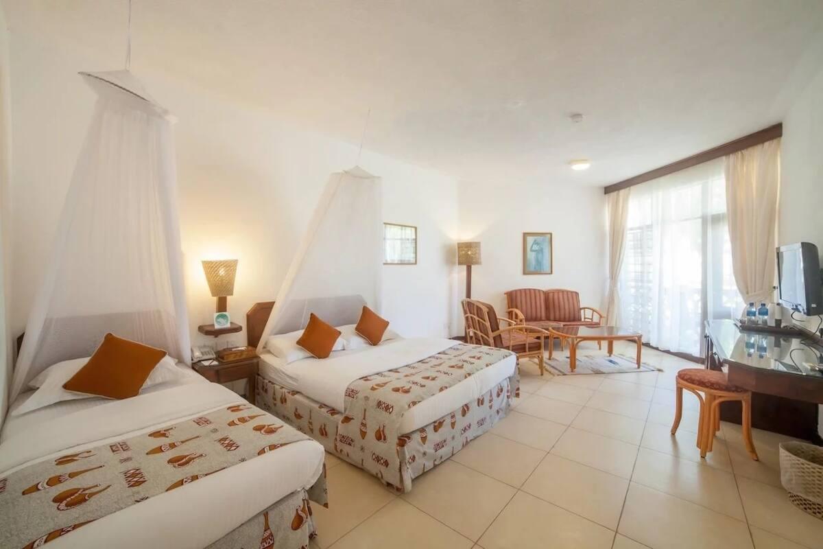 Beach hotels in Mombasa town