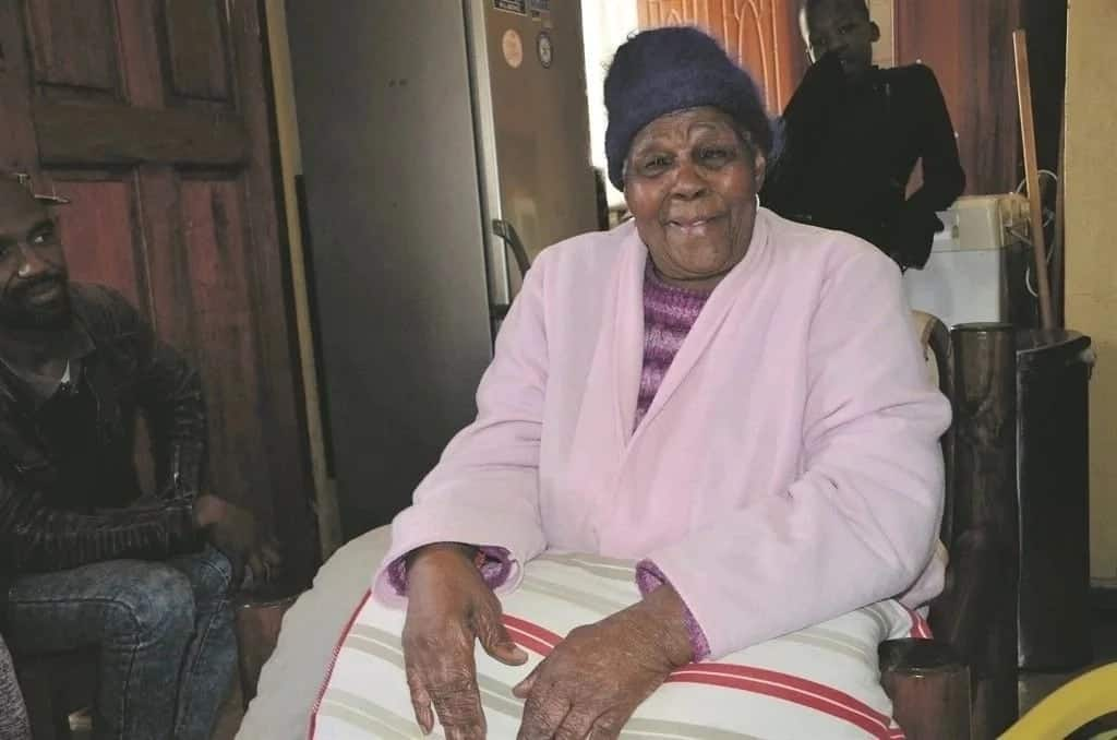 Nyanya afikisha miaka 100 mwezi na mwaka kuzaliwa wa Nelson Mandela