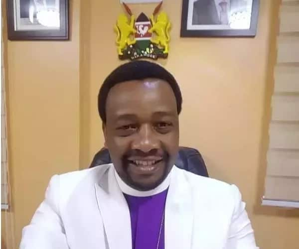 Mr President, be warned; do not shake hands with anyone until after August- City pastor warns Uhuru