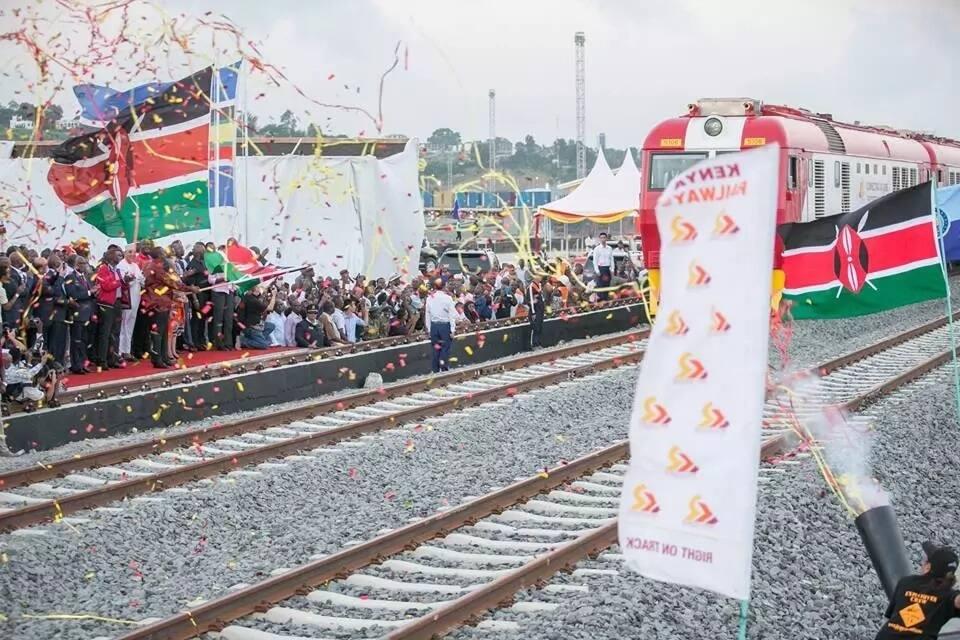 Video ya Mama wa kwanza wa taifa Margaret Kenyatta akicheza densi ndani ya treni ya SGR