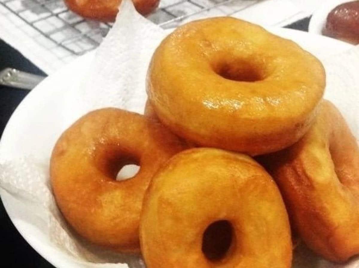 How to make doughnuts, how to make doughnuts at home, doughnuts recipe