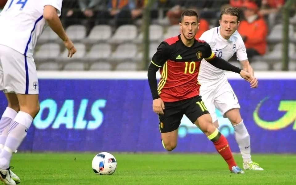 Chelsea's Hazard bests Man city's star player Kevin De Bruyne to clinch Belgian award