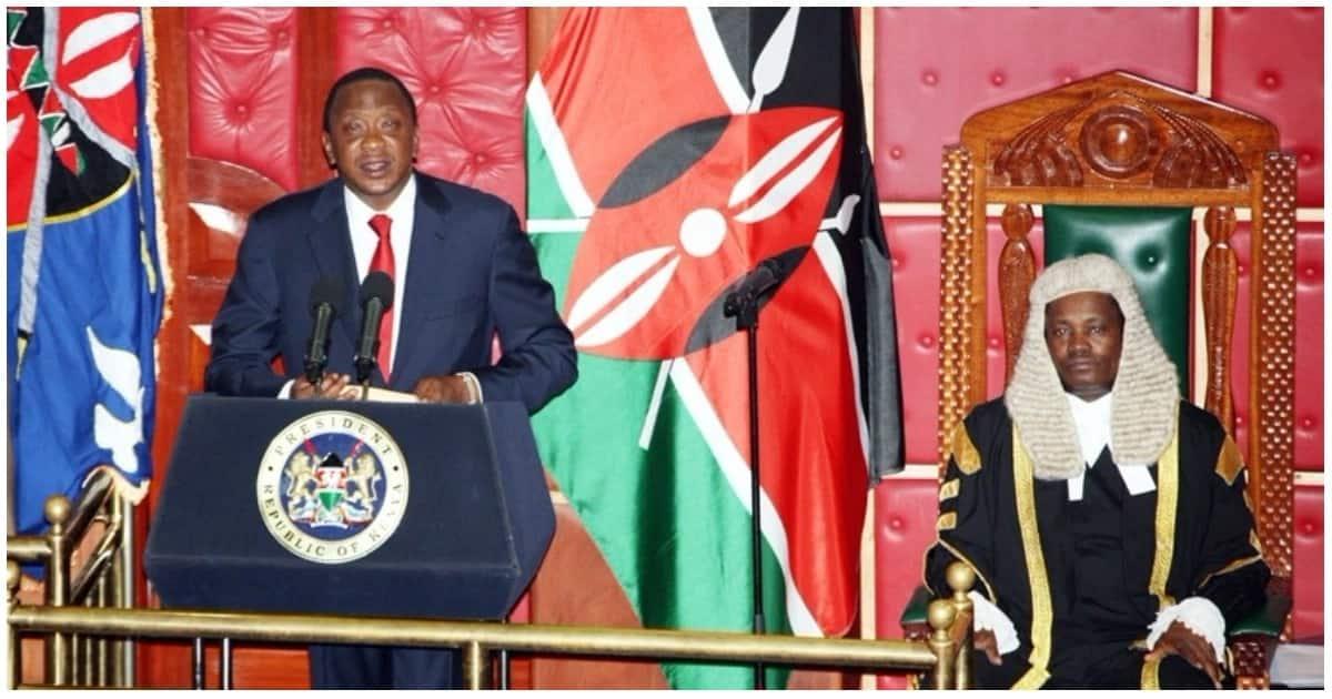 Wakenya watoa hisia zao baada ya Uhuru kuwarifu wawawasilishe jamaa zao wafisadi kwa polisi
