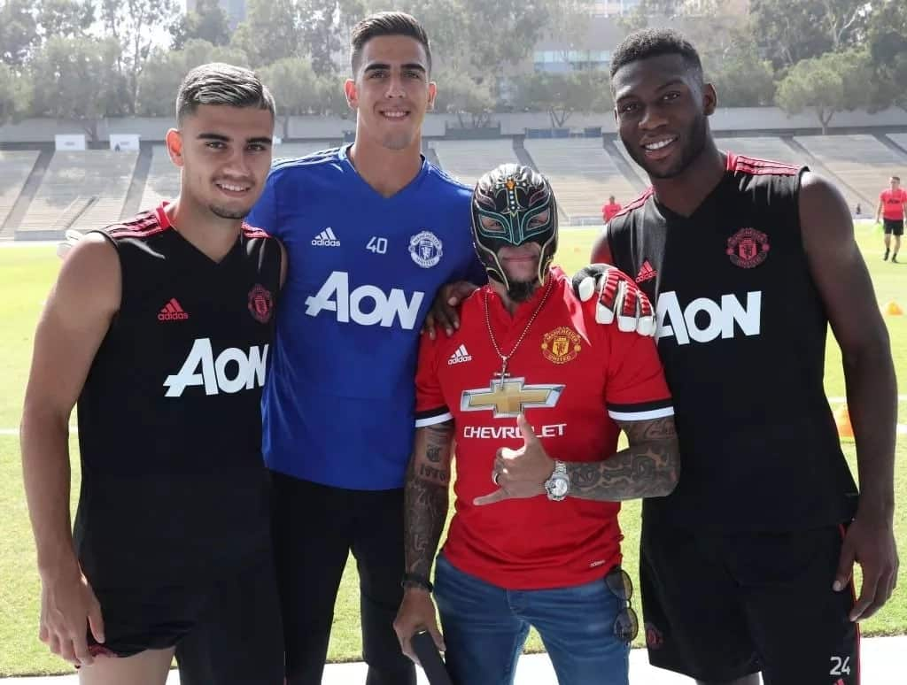 Fred joins Manchester United pre-season tour as wrestling legend Rey Mysterio shows support