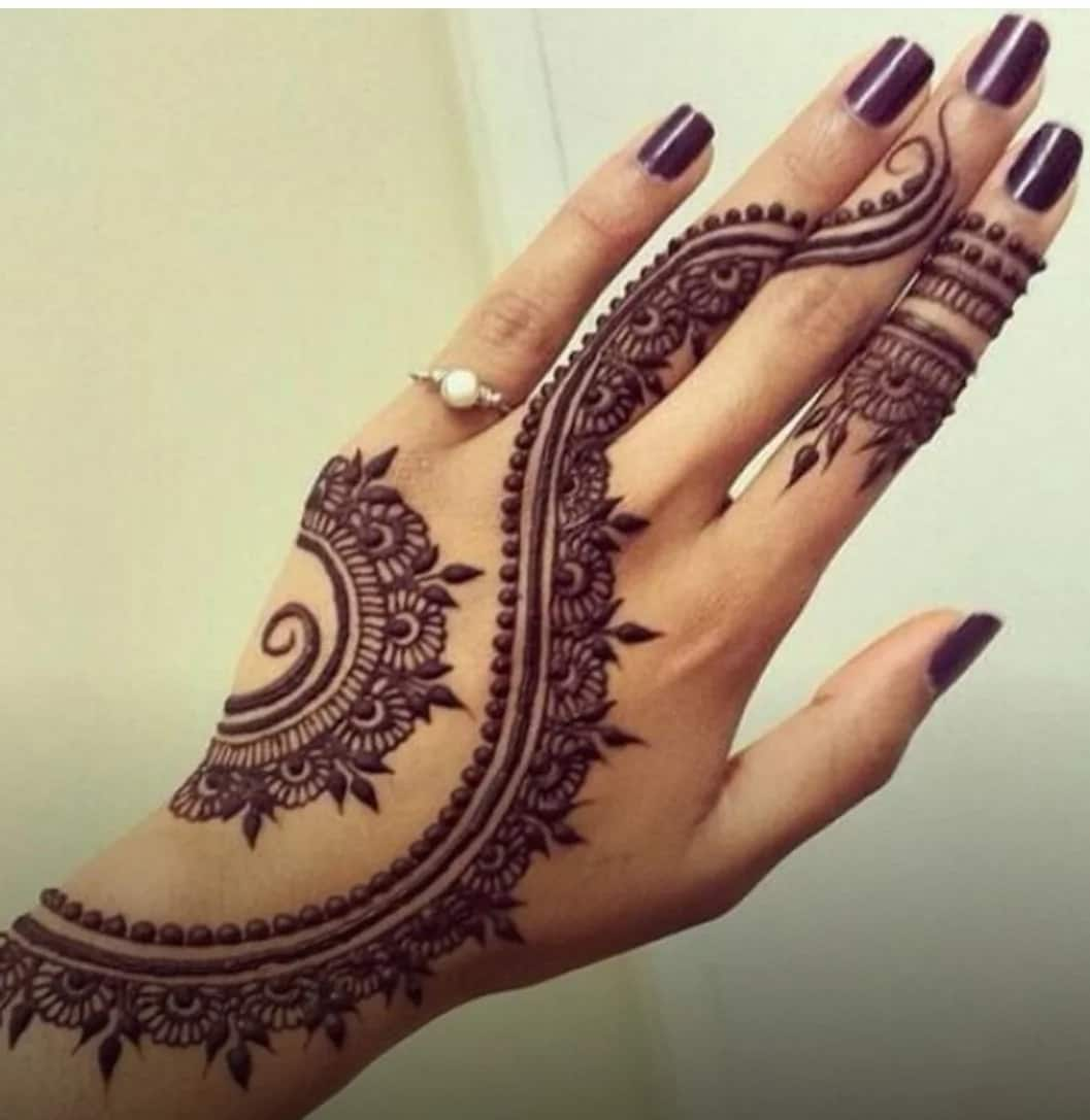 Black Henna: Simple Black Henna Designs In
