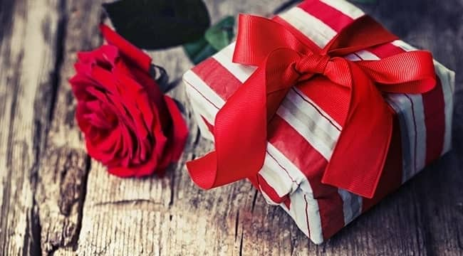 13 Christmas surprise gift suggestions ladies should consider for their lovers