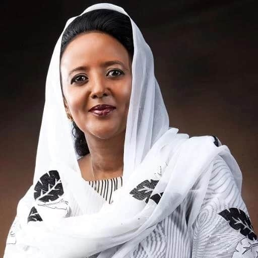 Picha za kupendeza za mpwawe Amina Mohamed