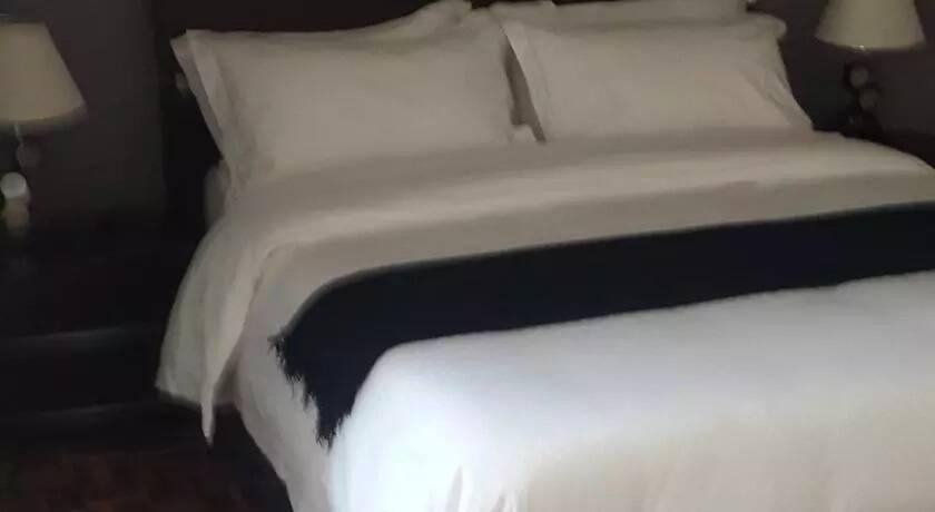 tanzanian women abandoned at hotel