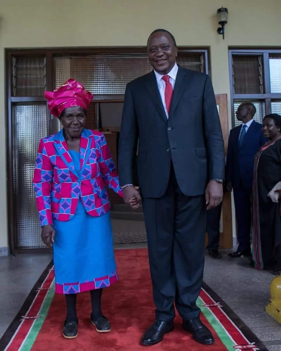 Hatimaye Uhuru akutana na mhudumu aliyemsaidia mamake kumzaa miaka 56 iliyopita
