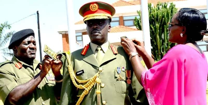 Museveni reshuffles 9 senior military officers after Mugabe was ousted by military