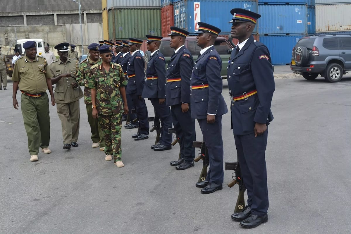 2,000 police officers deployed in Nairobi to avert looming terror attack