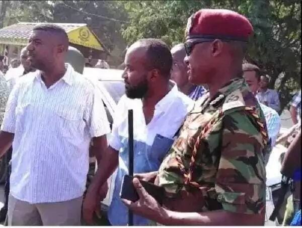 A group of weeping Muslim women curses Uhuru after Joho was detained (video)