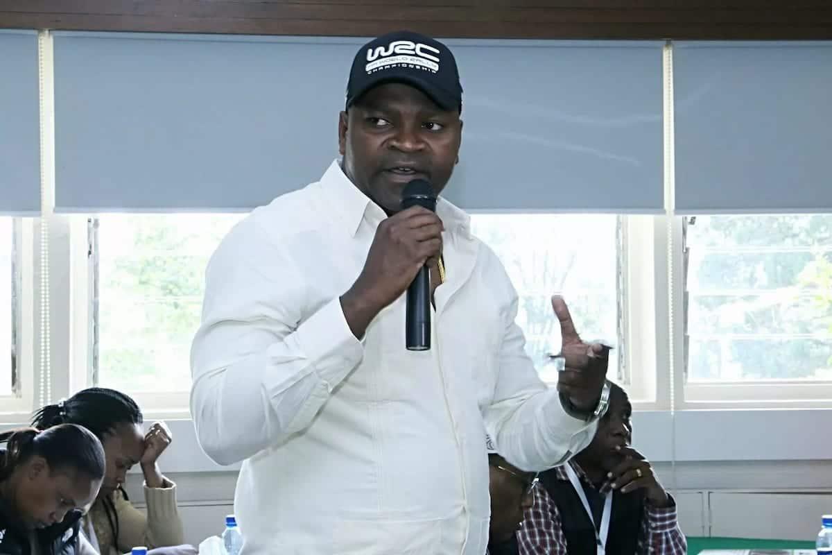 Seneta wa Kakamega Cleophas Malala amtaka Ruto kumrejesha Waziri Echesa shuleni
