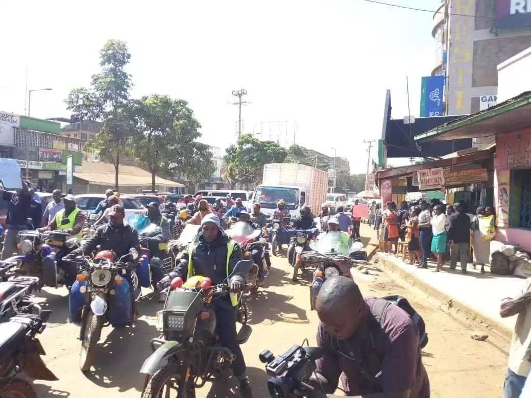 Chaos erupt in Nyeri as Ex-CS Michael Kamau appears in court over KSh 33 million tender row