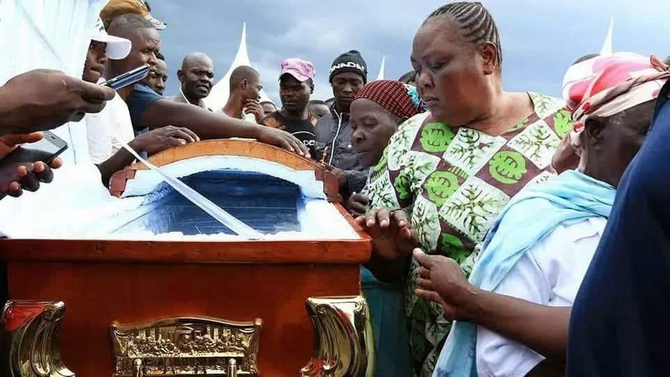 Picha za mazishi ya Sharon Otieno kwa babu yake Homa Bay