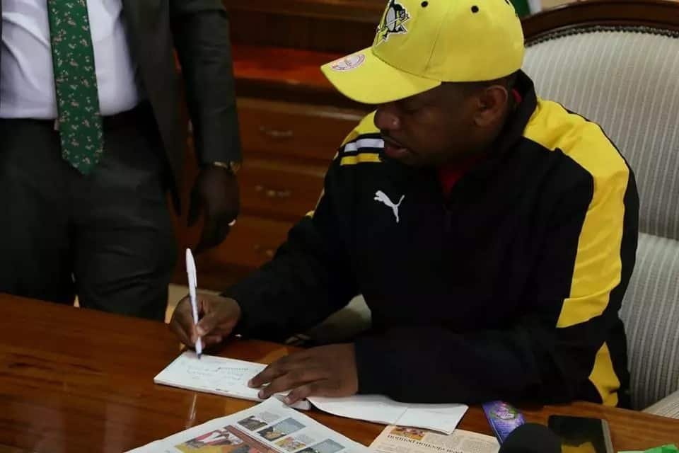 Mike Sonko wins hearts once again after sponsoring this handcart pusher back to University