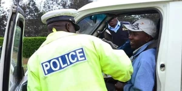 Senior traffic cop soliciting for bribes jumps from the frying pan to the fire