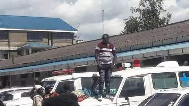 Brave Kericho man puts sick sister on ambulance bonnet to force her transfer