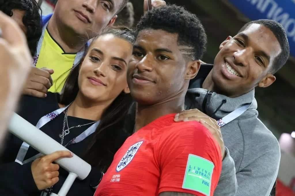 Rashford, Mata wawafurahisha wake zao kwa njia ya kipekee baada ya ushindi wa Man United