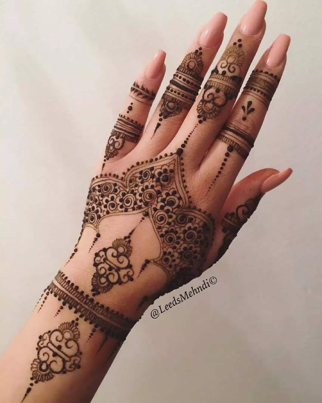 Best Henna Designs: Simple Black Henna Designs In
