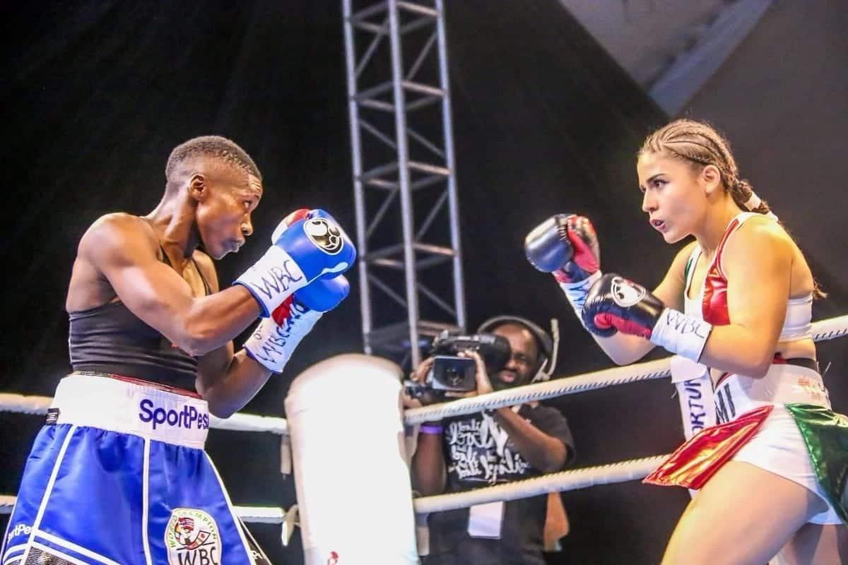 Bondia Fatuma 'Iron Fist' Zarica ahifadhi Taji la WBC, amshinda Yamileth Mercado kwa alama