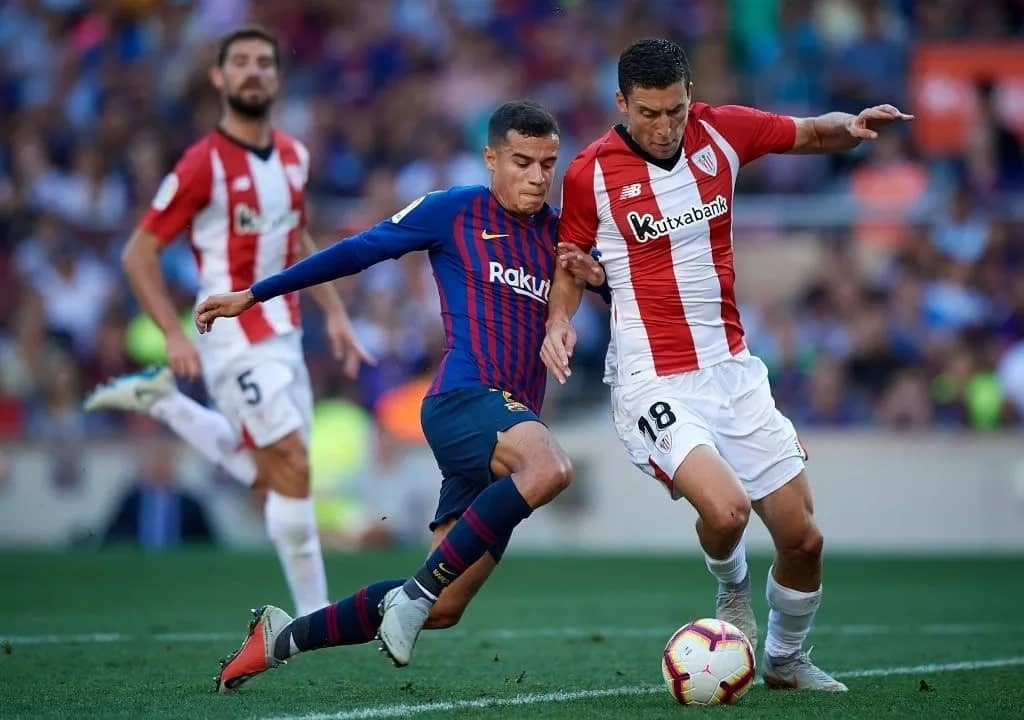 Manchester United in talks with Phillippe Coutinho over move from Barcelona