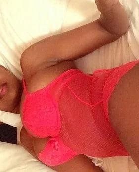 Kenyan girl leaks her unsavory bedroom photos