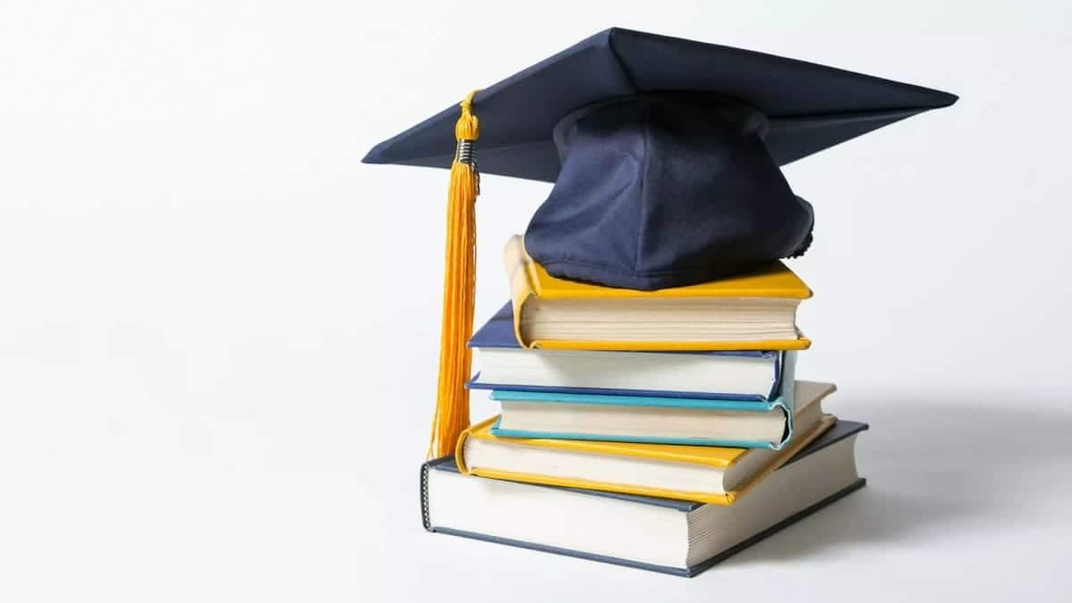 Scholarships in Canada for international students, fully funded scholarships in Canada, full tuition scholarships in Canada