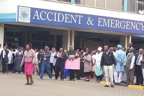 Thirsty male patients at Kenyatta National Hospital on spot for drooling over female nurses