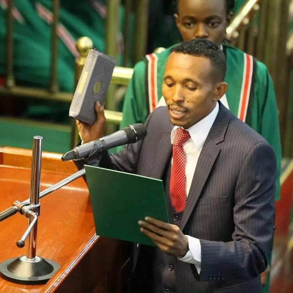 Pesa ni sabuni ya roho, mtazama Mbunge 'Moha Jicho Pevu' anavyotesa na suti maridadi