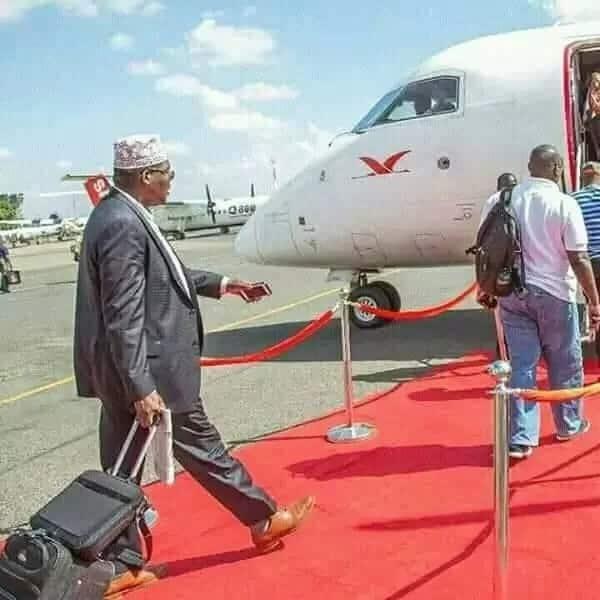 I will be back to Kenya immediately the govt obeys the court order-Miguna Miguna