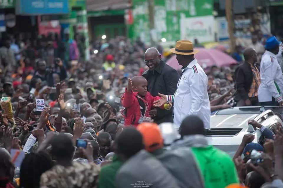 Hawa ndio mmafisa wa IEBC waliotemwa nje na Chebukati, Chiloba ni mmoja wao