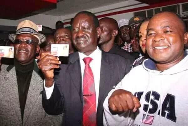 Nilimpigia Raila na laini yake ya Safaricom inafanya kazi – Mutahi Ngunyi