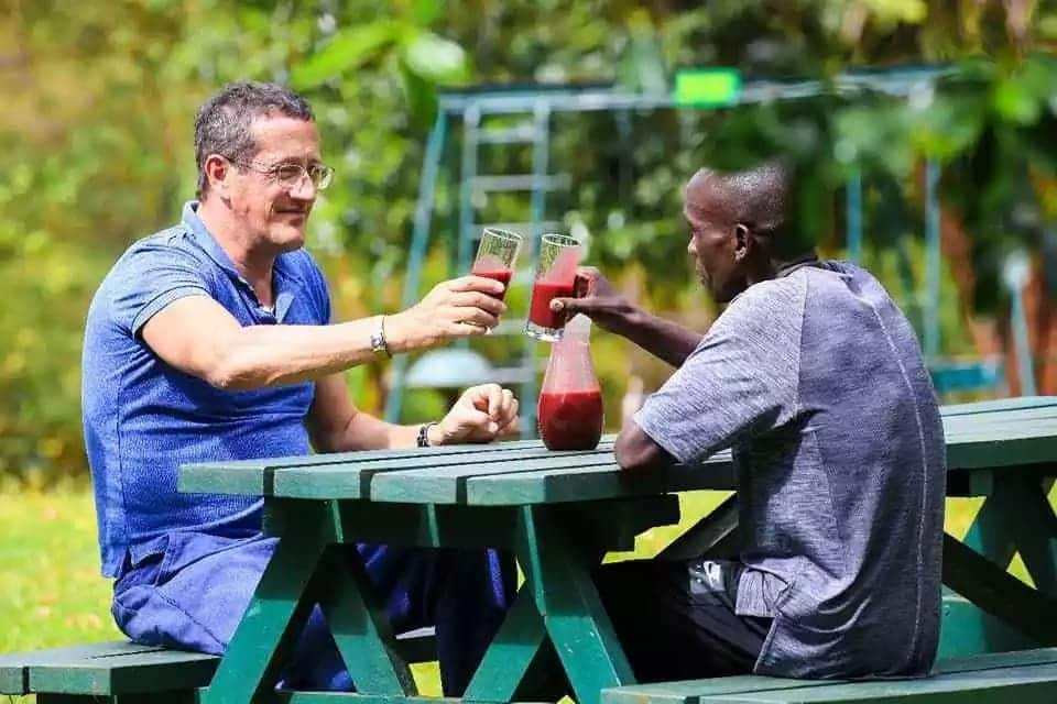Celebrated CNN business anchor Richard Quest meets up with Marathon World record holder Eliud Kipchoge