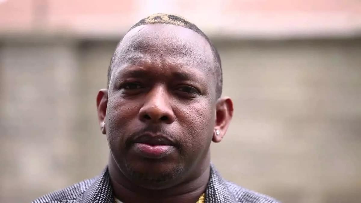 Mike Sonko kisses his wife on camera and the reactions are just awesome