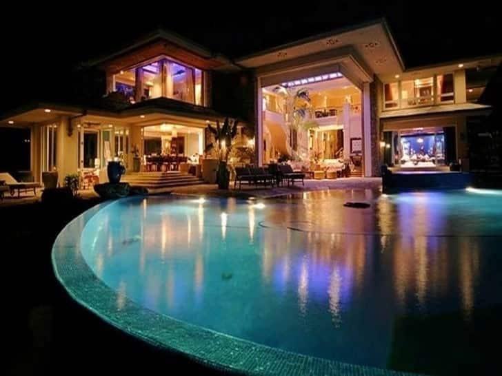 richest man in the world bill gates house bill gates' house bill gates house trampoline room bill gates house interior