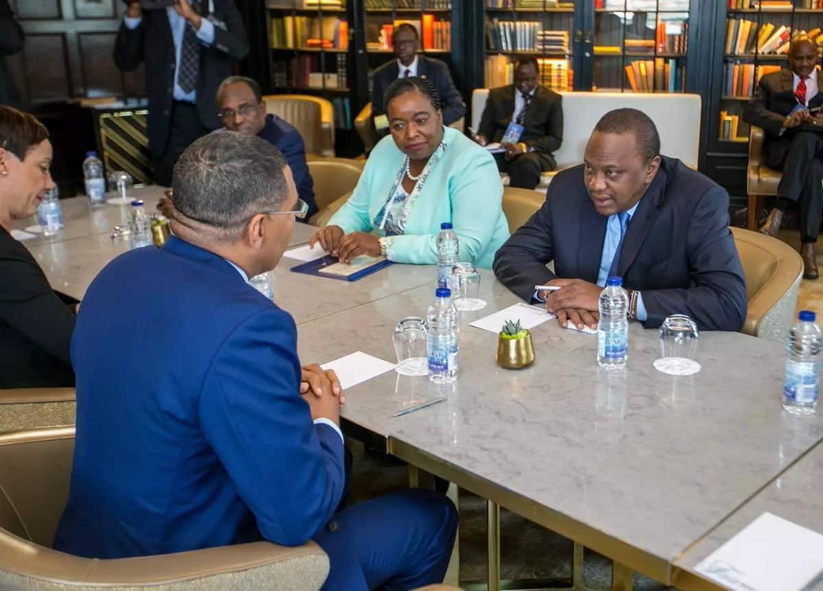 Uhuru orders private, government entities to publish beneficiaries of all awarded tenders