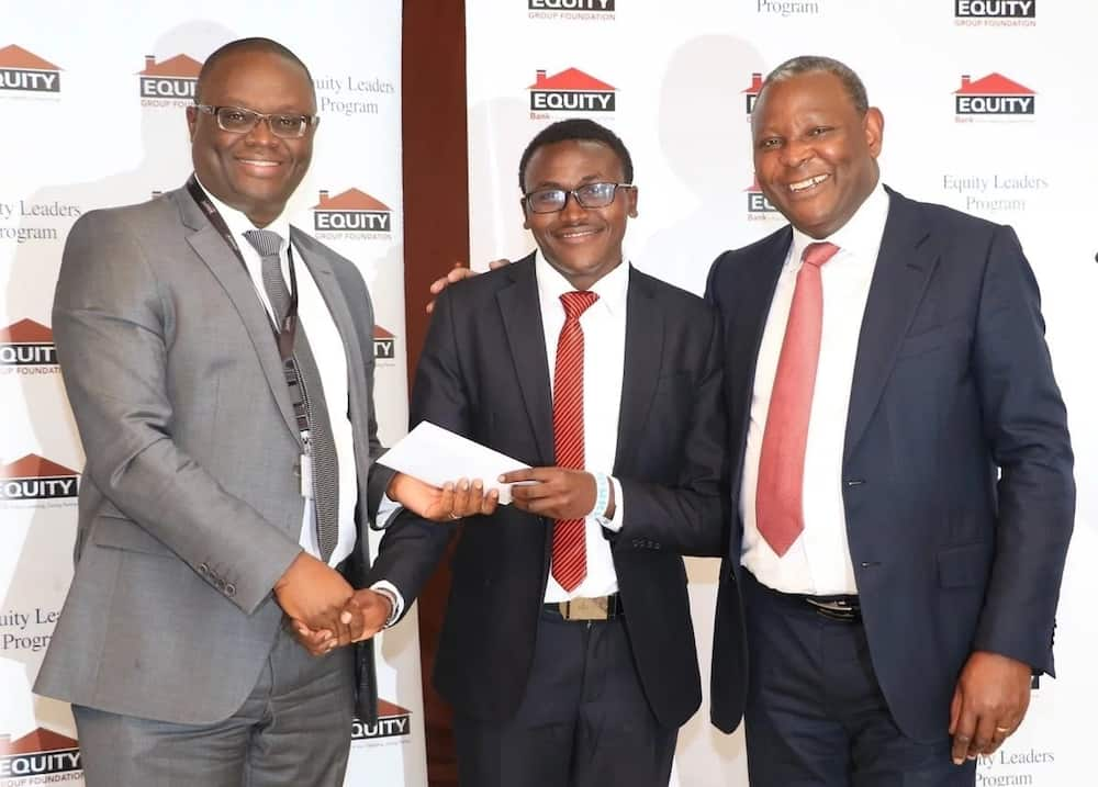 Equity bank contacts,Equity bank office hours, Help desk contacts, facebook, twitter