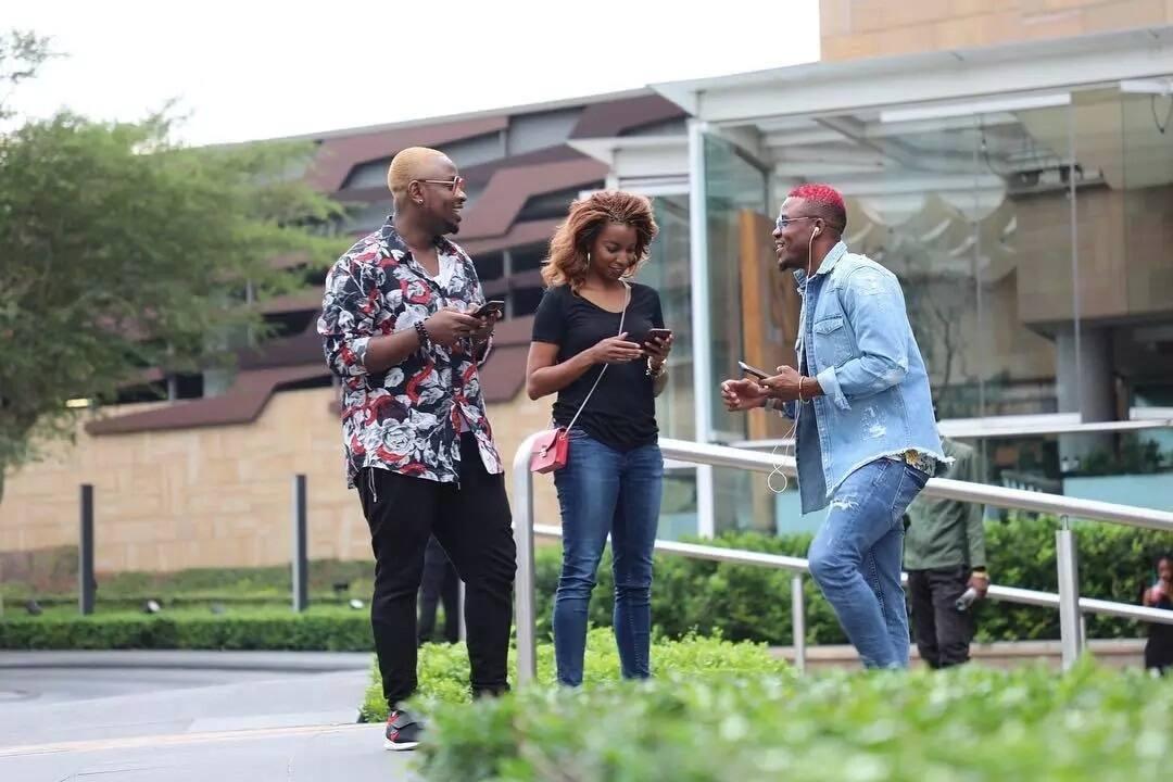 Staa wa Bongofleva Ali Kiba azuka na style mpya kichwani. Tazama picha