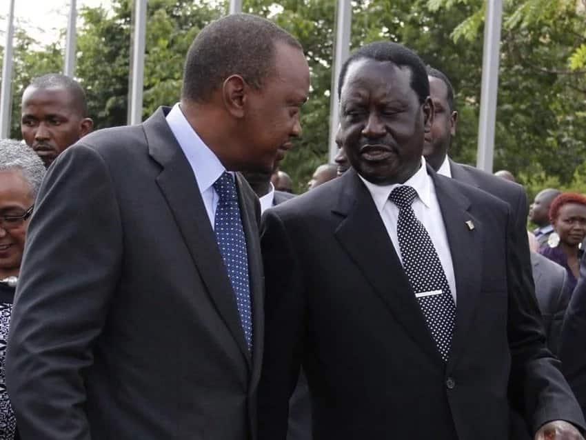 Raila atashirikiana na Uhuru kabla 2022- Moses Kuria adokeza