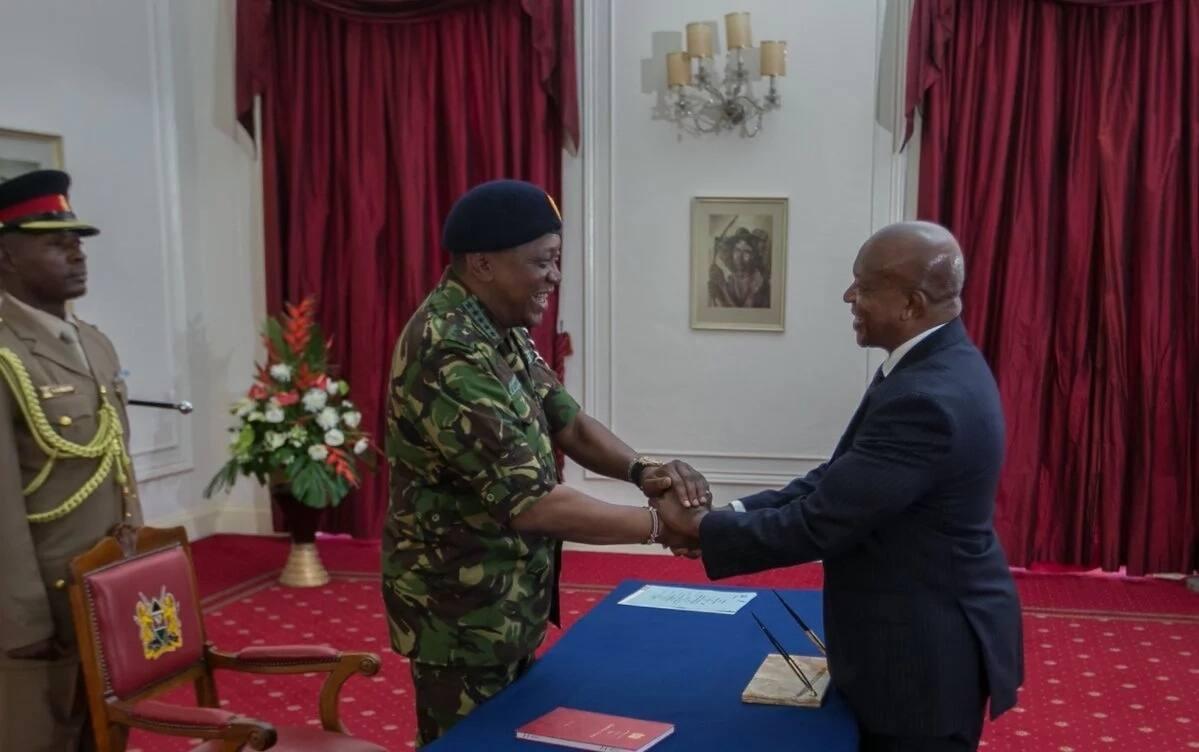 Uhuru amwapisha kachero mkuu ambaye pia ni mwanawe Seneta wa Garissa kuwa DPP