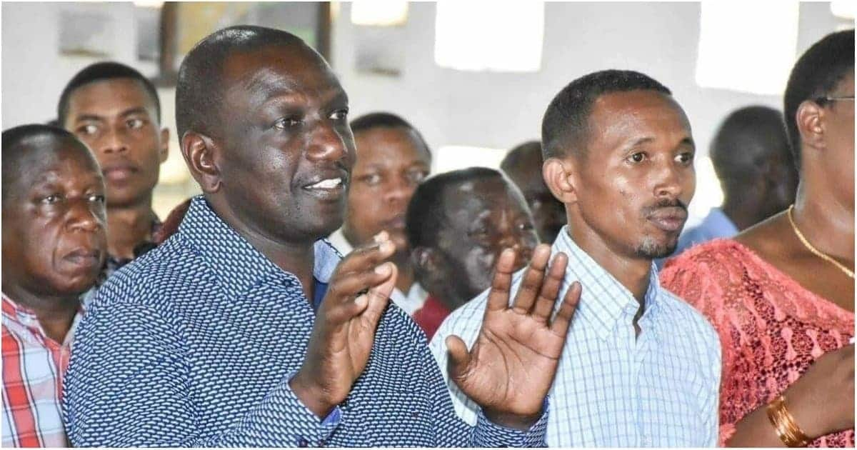 Generous Ruto carries KSh 5 million in big brown envelope to another Church harambee